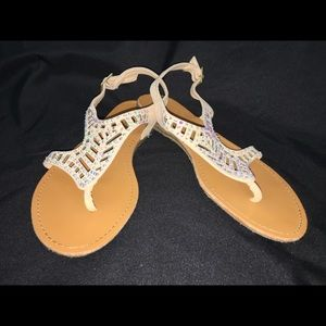 Bamboo Bling strappy flip flops size 8